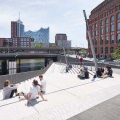 Piet Niemann © Hamburg River Promenade Zaha Hadid Tecnne