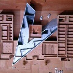 Daniel Libeskind, Irrumpir en la historia, tecnne
