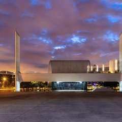 Oscar Niemeyer, Memorial de America Latina, Salon de actos, tecnne