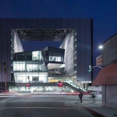 Morphosis, Emerson College Los Ángeles, tecnne