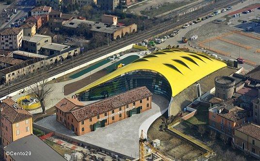 Salón de Exposiciones del Cavallino Rampante.