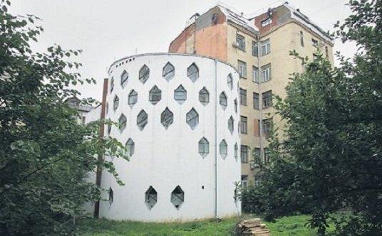 <b>Casa Melnikov en peligro</b>