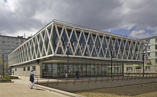 Concentraci n a favor del parque tecnne arquitectura y for Biblioteca arquitectura