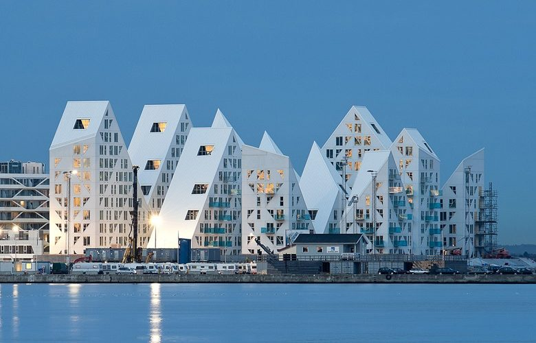 <b>Iceberg, nueva iconografía portuaria</b>