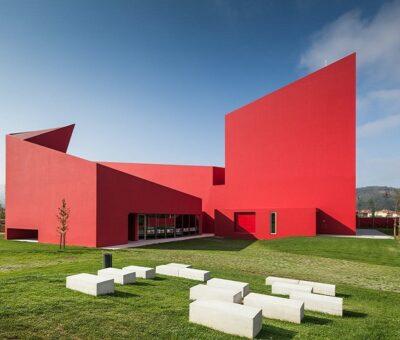 Casa das Artes, contrastes oportunos