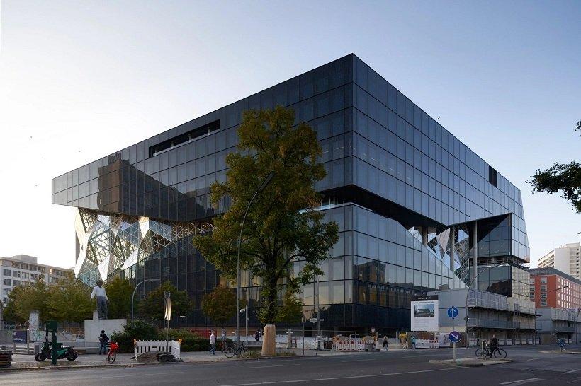 Centro de medios de Axel Springer de Berlín, OMA