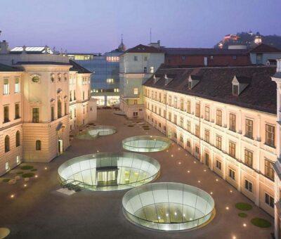 Museo que exalta el espacio público